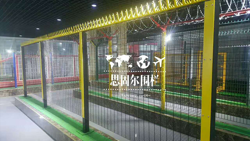 358-High-Security-Anti-climb-Wire-Mesh-Fence-Welding-Machine
